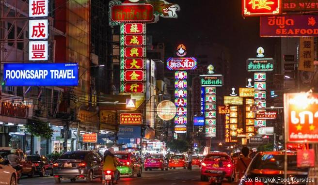China Town ist eine gute Station für eine Food Tour durch das nächtliche Bangkok - hier wird viel unter freiem Himmel gekocht