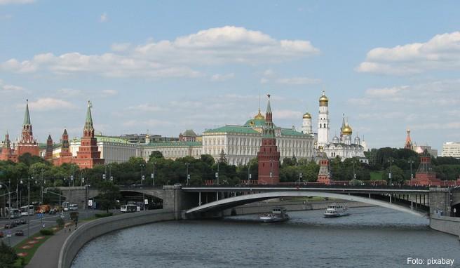 In Moskau lassen sich viele Sehenswürdigkeiten auch von der Wasserseite aus entdecken