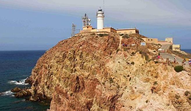 Leuchtturm und Aussichtspunkt am Cabo de Gata, Andalusien, Spanien