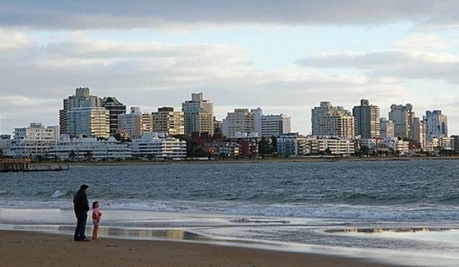Urlaub in Argentinien mit Blick auf Punta del Este in Uruguay