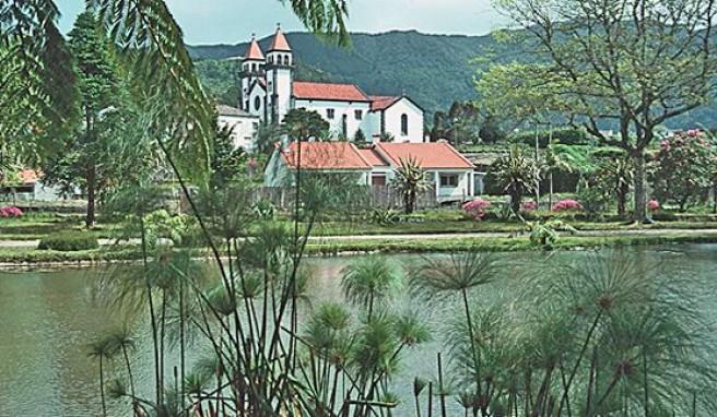 Reisen zu den Azoren nach Sao Miguel mit dem Furnas-See, Portugal