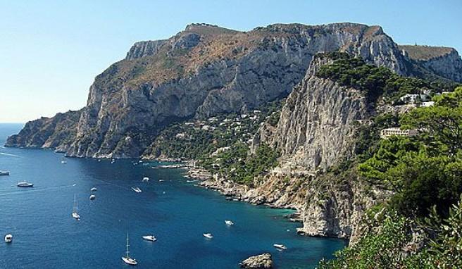 Capri, die Insel mit den spektakulären Küsten und Ausblicken über den Golf von Neapel, Italien