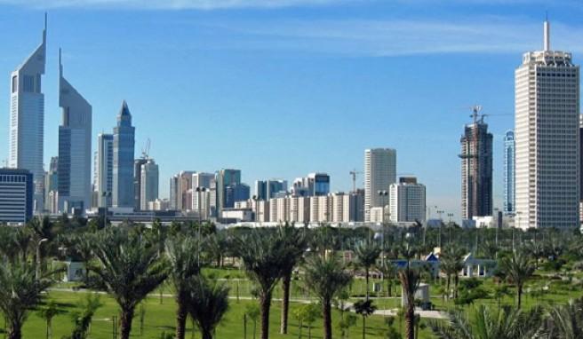 Blühende Wüsten und atemberaubende Skylines in den Vereinigten Arabischen Emiraten