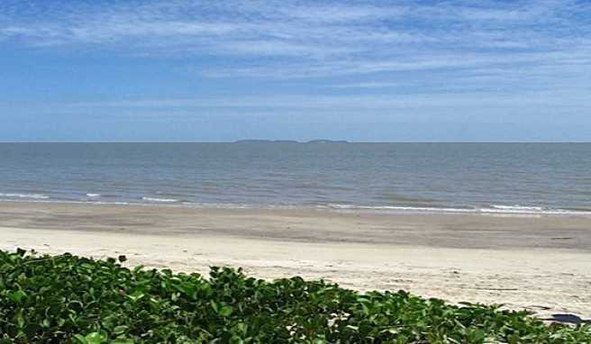 Der schönste Strand von Französisch Guayana bei Kourou vor der Ile du Salut, Frankreich, Südamerika