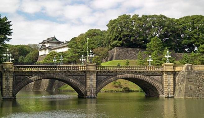 Der Kaiserpalast in Tokio, Japan, Symbol der Tradition in einem hochmodernen Land