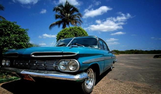 Mit dem Mietwagen durch Kuba reisen, das Land der Oldtimer
