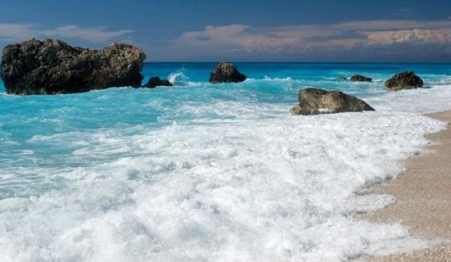 Strand von Kalamatsi auf Lefkas, griechische Insel im Ionischen Meer