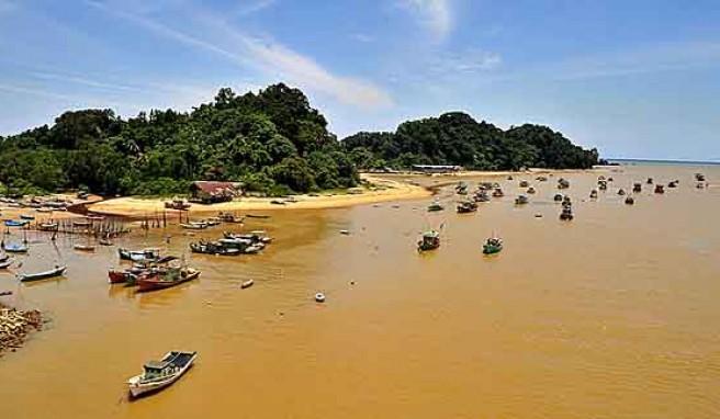 Tropenidylle, Traumstrände und Fischerorte bei Reisen im Osten von Malaysia erleben