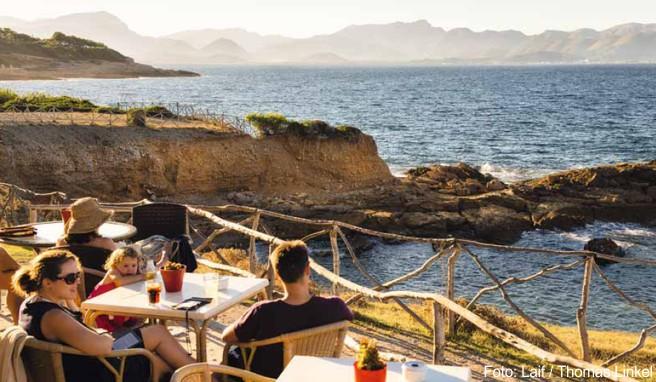 Blick auf die Bucht von Pollença vom Restaurant »Mirador de la Victoria« in Alcúdia