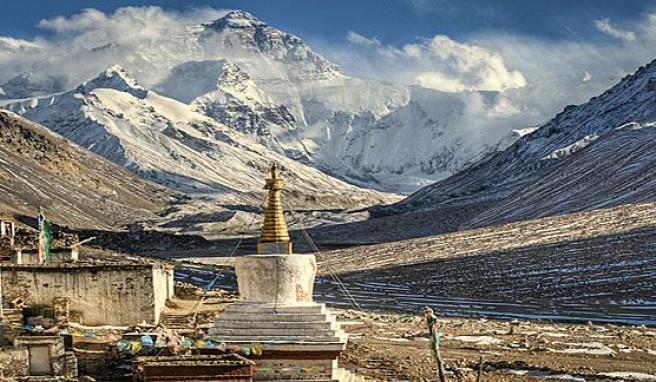 Von Lhasa in Tibet ein uneingeschränkter Blick auf den Mount Everest, China
