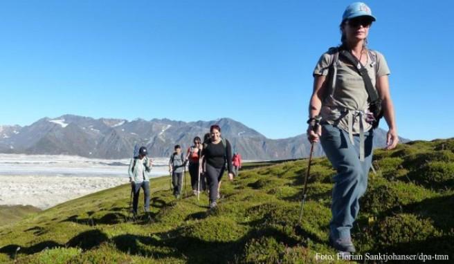 Catherine Rigby (r.), kurz Kasha, führt die Gruppe durch die Wildnis im Südteil des Denali-Nationalpark