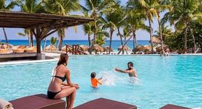 Kontrastprogramm: Der Urwald ist in Strandresorts wie hier in Punta Cana meist nur eine eingezäunte Randerscheinung