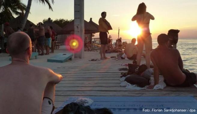 Sonnenuntergang an der Meerenge The Split: Caye Caulker überzeugt auf den zweiten Blick durch karibische Einfachheit