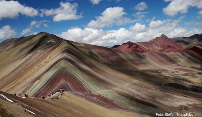 Der Rainbow Mountain ist ein noch eher unbekanntes Reiseziel in Peru – doch er könnte noch ganz groß rauskommen