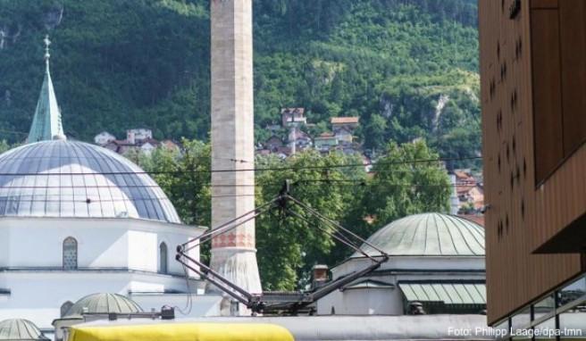 Blick auf die Kaisermoschee in Sarajevo: Die Stadt ist muslimisch geprägt, doch pflegt einen entspannten und liberalen Lebensstil