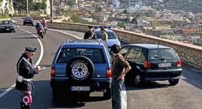 Crash auf der Ferienfahrt: SOS International muss häufig bei Verkehrsunfällen helfen