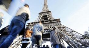 Wieder geöffnet: Nach einer mehrtägigen Sperrung können Touristen wieder auf den Eiffelturm