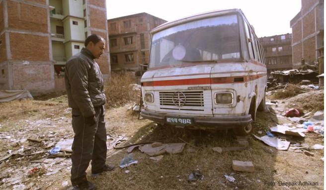 Busse, die älter als 20 Jahre sind, werden in Nepal nun aus dem Verkehr gezogen. Einst hatten sie europäische Besucher in die malerischen Hügelstädte gebracht