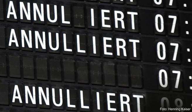 Lufthansa kündigte wegen eines Warnstreiks der Dienstleistungsgewerkschaft Verdi Flugausfälle an. Betroffene Kunden können ihr Ticket zurückgeben