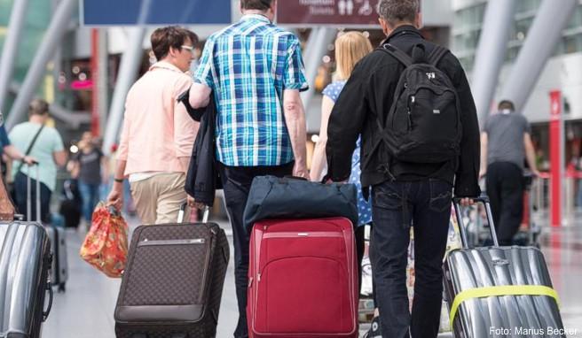 Wird ein Koffer oder dessen Inhalt bei einem Flug stark beschädigt, haftet unter Umständen die Airline