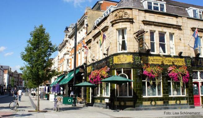 Die Oxford Street ist bekannt für ihre Restaurants und das Nachtleben