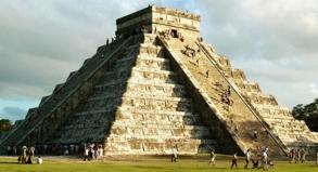 Am 21. Dezember endet der Maya-Kalender - manche rechnen dann mit dem Weltuntergang. Für Mexiko hat das einen positiven Nebeneffekt: 2012 werden extra viele Touristen erwartet.