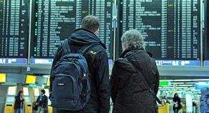 Obwohl der Streik der Fluglotsen gerichtlich untersagt wurde, dürfte es am Frankfurter Flughafen weiter zu Flugausfällen und Verspätungen kommen.