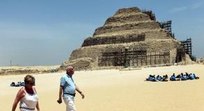 Von Unruhen in der Bevölkerung bekommen normale Touristen nach wie vor wenig mit. Das Auswärtige Amt empfiehlt, sich auf klassische Urlaubsorte in Ägypten zu beschränken.