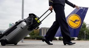 Wenn die Flugbegleiter streiken, bleibt der Kranich am Boden - und die Passagiere auch.