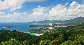 Die Trauminseln - wie hier die Insel Phuket - im Süden Thailands sind von den Überschwemmungen kaum betroffen