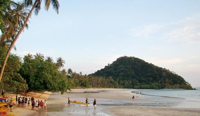 An der Südostküste von Koh Chang in Thailand liegt der malerische Long Beach.
