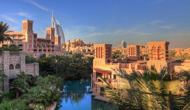 Dubai ist das richtige Reiseziel für Badeurlauber und Shoppingfans.##Foto: fototrav / istockphoto.de